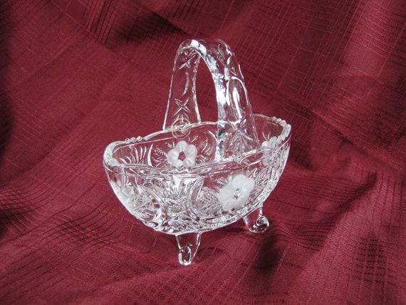 Vintage Crystal Basket With Handle And Four Feet Vintage