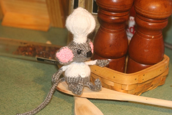 CLEARANCE Knit Chef Mouse Doll - Miniature Knitted Gray Mouse Cook - Amigurumi Toy