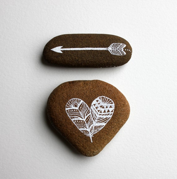 Reserved for Wenwen - Heart and Arrow Painted Stone Set - Dandelion