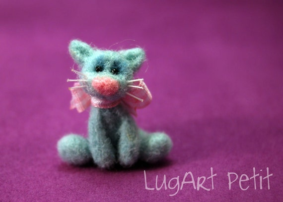 Missy, the needle felted kitty.