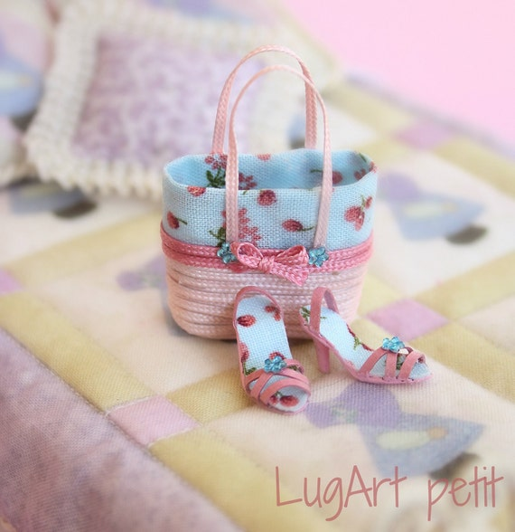 Set of handbag with sandals in pink and blue