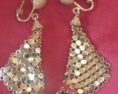 Vintage 80s Gold Toned Glomesh Style Clip Earrings