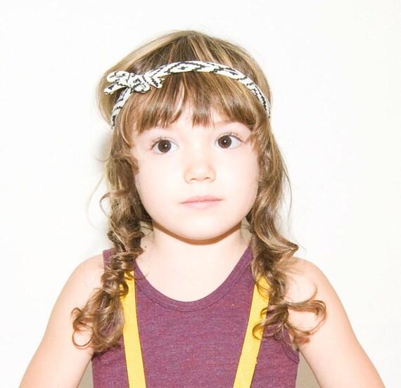 String Headband in Black on White 'Maze'