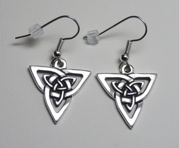 Celtic Knot Earrings - Triangular - Antique Silver Plated Pewter