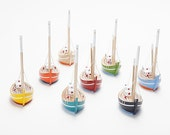 Free Shipping - Wooden Boats - Set of 8 - in different colors..