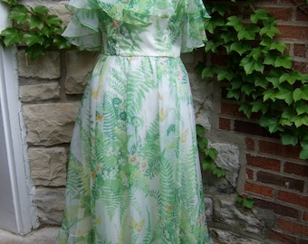 1980s Victor Costa Floaty Green Gown & Stole  US Size 12