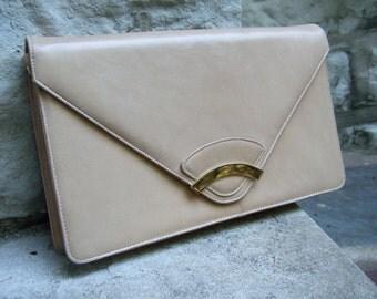 SAKS FIFTH AVENUE Vintage 1960s Tan Leather Envelope Bag