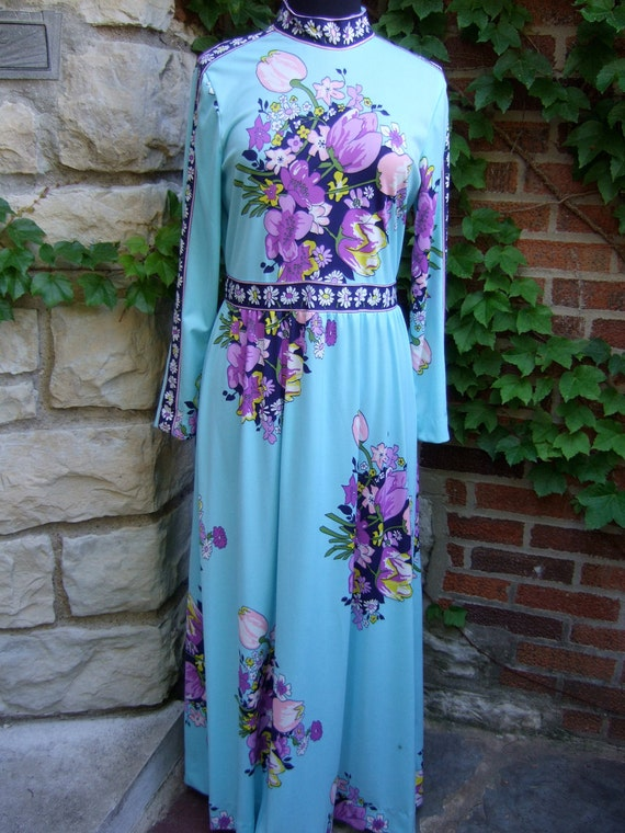 1970s Flower Print Jersey Knit Long Sleeve Gown