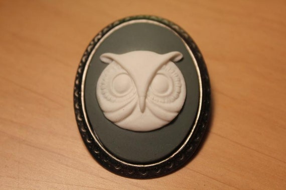 White on Gray Owl Silhouette Cameo Brooch