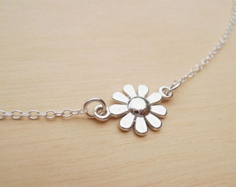 Tiny Silver Daisy Necklace - Sterling Silver