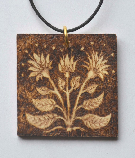 Wooden pyrographed pendant, can be personalized