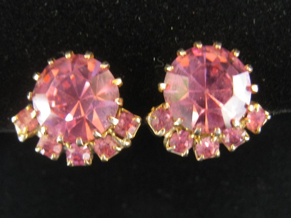 SALE Vintage Pink Rhinestone Earrings Large Round Cut cradled above 5 small rounds