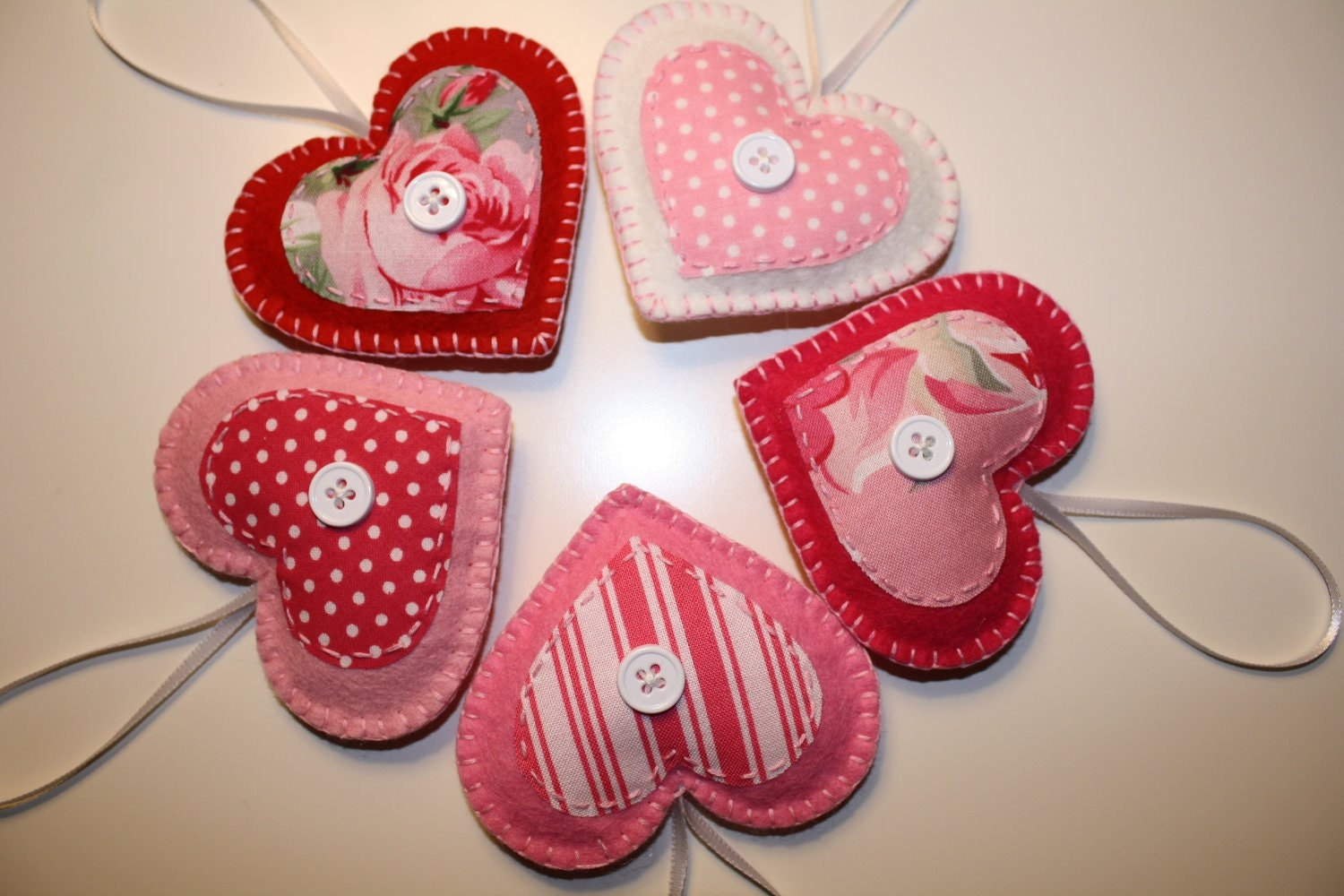 Valentine felt heart ornaments decorations for Heart decoration ideas