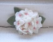 Ivory Handmade Hydrangea Felt Hairclip