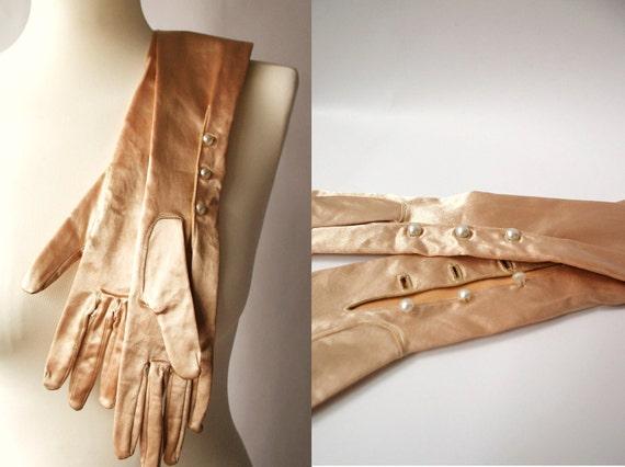 Vintage 1950s Peach Satin Pearl Button Opera Gloves