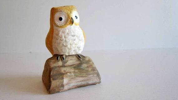 Collectable Owl figurine Salt or Pepper Shaker