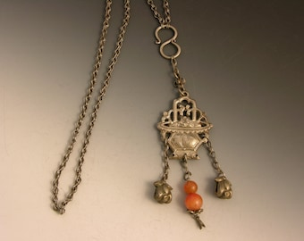 Vintage Tibetan / Chinese silver necklace with carnelian.