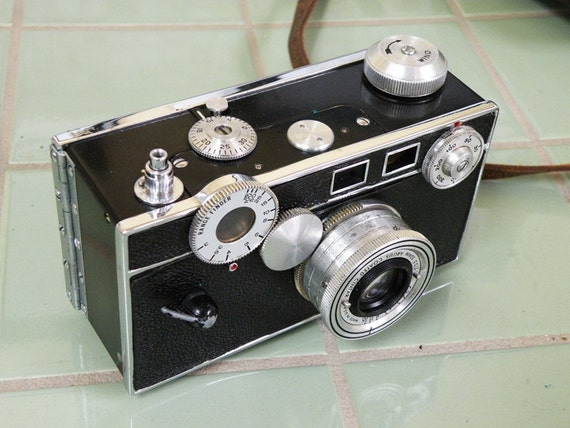 Argus C3 Brick Camera with Flash and Leather Case Photography Black Chrome