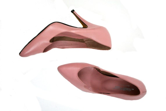 Size 7.5 Vintage 1980s Pink Pointed Toe Pumps