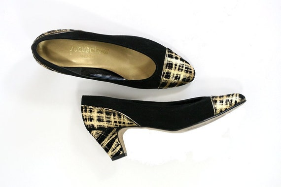 Size 8.5 Vintage Magdesians Cap Toe Pumps, Black Suede