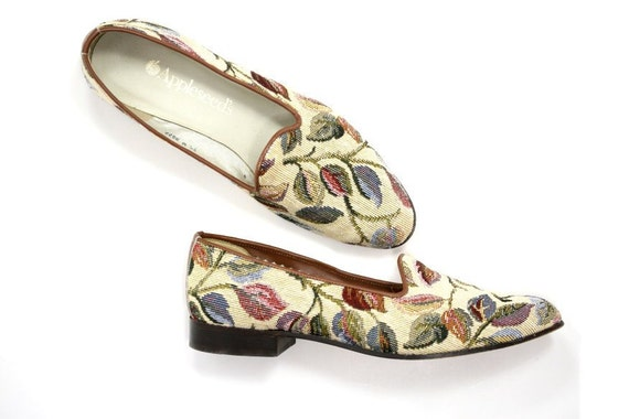 Size 7.5 1980s Vintage Floral Smoking Slippers / Loafers, Tapestry