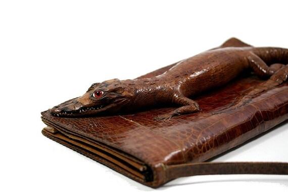 1940s 1950s Vintage Alligator Purse Clutch. Brown