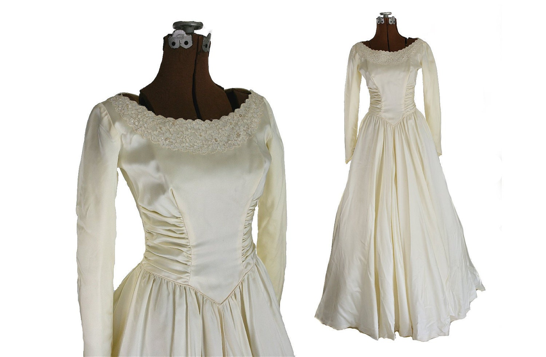 Vintage 1950s Satin Wedding Dress Long Sleeves by HoardJewelry