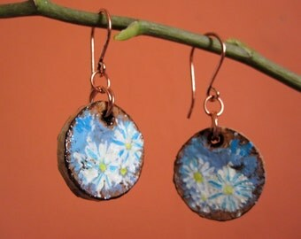 Cork earrings with white daisy miniature design