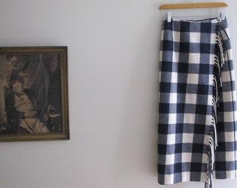Vintage PENDLETON Wool Fringe Skirt - Small SIZE 6 - Gingham Checkers - Navy Blue and White Checkered Skirt - Long Skirt - Wrap Skirt