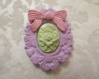 Pastel Floral Cameo Brooch/Pendant