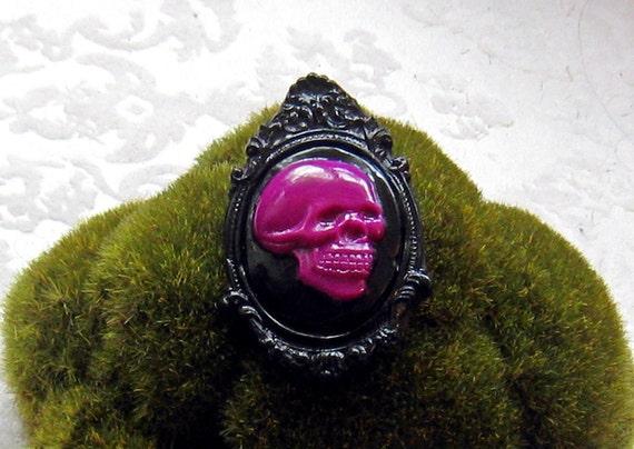 Skull Cameo Pendant OR Brooch (black and fuchsia)