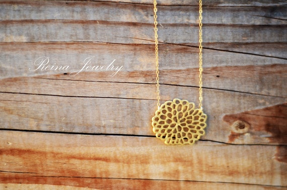 Chrysanthemum Necklace - Gold Flower Pendant - Wedding Jewelry - Blossom Necklace - Mum Necklace