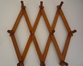 Seventies-style expanding wooden cup / clothes rack