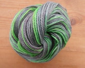Hand dyed yarn, Kambgarn - Spanish merino wool - spun in Iceland. FREE WORLDWIDE SHIPPING. (nr.2033)
