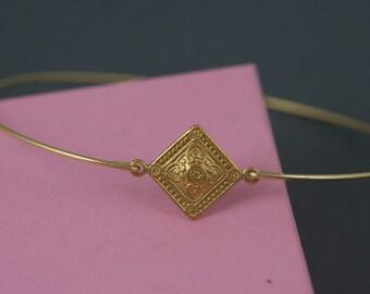 Victorian style gold Bangle bracelet