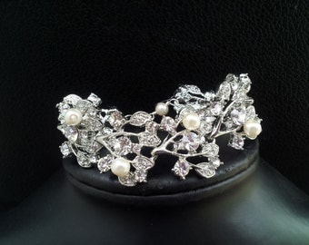 Bridal Crystal leaves wedding  bracelet, Crystal Cuff Bracelet, Crystal Bangle, Wide bracelet, Pearls and Crystal Bracelet