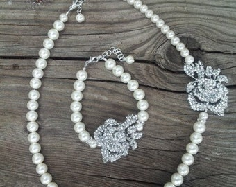 Single Strand Pearl Necklace, Swarovski Necklace, Rose, Brooch Necklace, Flower Necklace, Rose necklace, Bridal Necklace, Wedding Jewelry