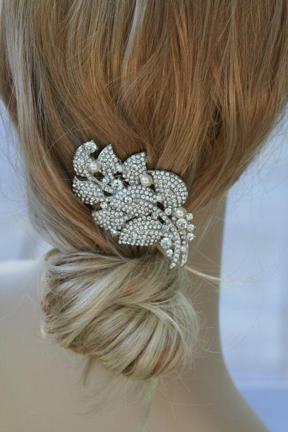 Flor Swarovski crystal and pearl elegant bridal hair comb