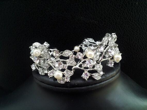 Bridal Crystal leaves wedding  bracelet, Crystal Cuff Bracelet, Crystal Bangle, Wide bracelet, Pearls and Crystal Bracelet