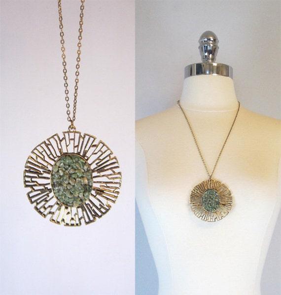 Mid Century Medallion Necklace. Green and Gold Sunburst.