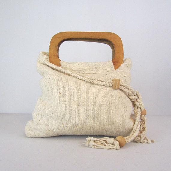 woven handbag / vintage bag / wooden handles / boho tote / cream carryall