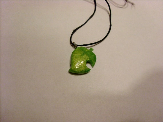 Animal Crossing leaf choker