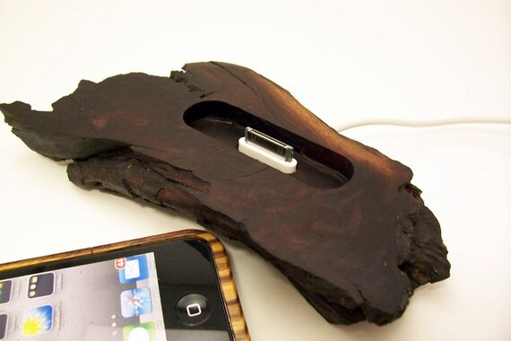 Wooden iPhone docking station ICN130