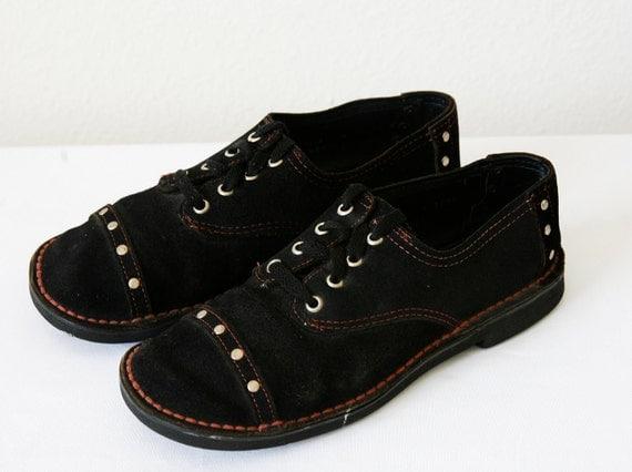 30% OFF SALE Mod Shoes Hippie Oxford Black Suede With Cap Toes Estimated Sz 7.5 8 Vtg 60s