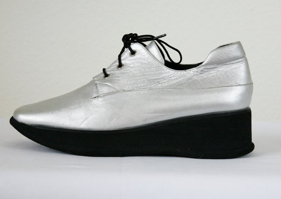 Silver Size 7 Futuristic Wedge Oxfords Vintage 90s