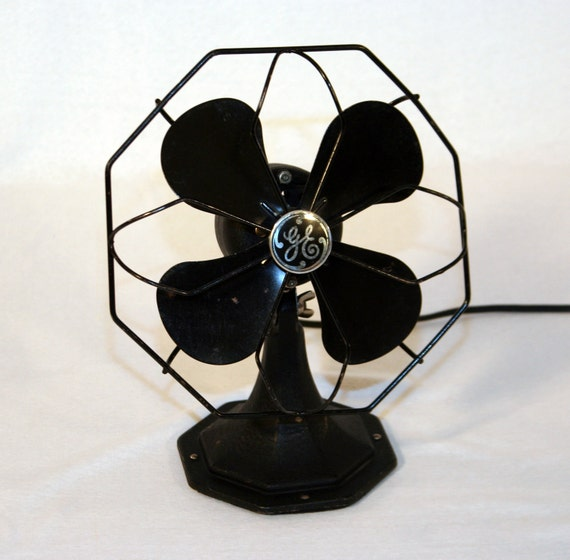 Vintage 1930s Art Deco Black Desktop Electric Fan with GE Logo by General Electric