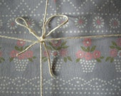 Lovely 80ies Spring Vintage Flowerbasket Rustic Folk Fabric for sewing from Germany/ Large Piece - linenlaceandthread