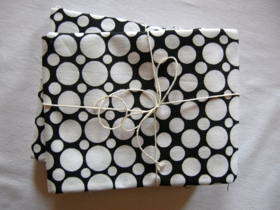 Vintage Retro Black and White 60ies Cotton Polkadot Vintage fabric for sewing / sewing supply