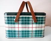 Vintage NC Colorware metal picnic basket wooden handles green plaid
