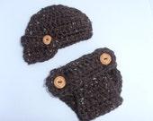 Newborn Crochet Chunky Brown Newsboy cap and Diaper cover , wood buttons